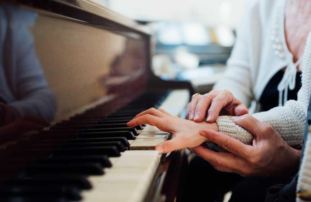 Self-taught Pianist - Soundbrenner